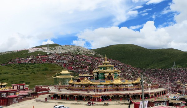 Seda, Sichuan Province, China, over 4,100 metres. The largest Buddhist academy in the world. September 2014.