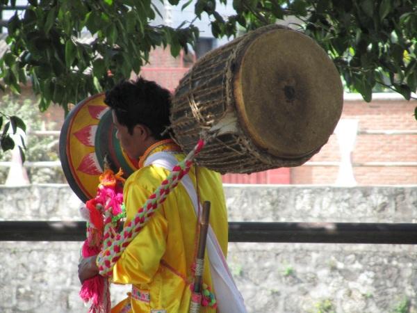 Drum for Buddha, Xisuangbanna. China Feb 2011.