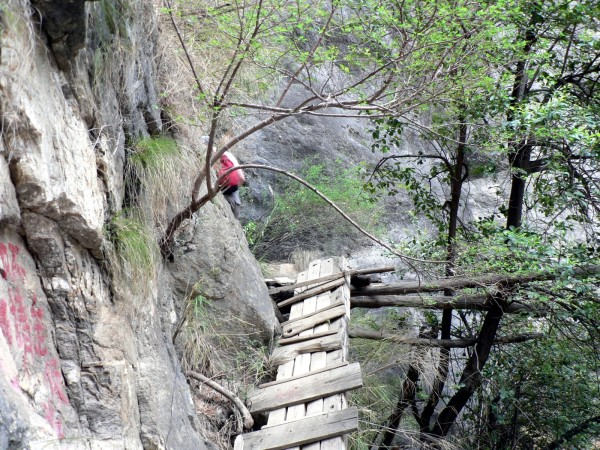 Tiger Leaping Gorge - the way out