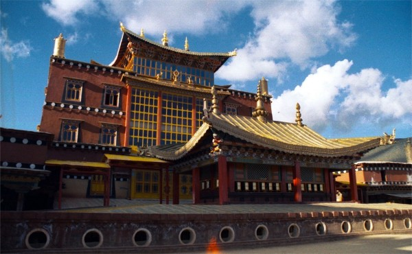 The Ganden Sumtsenling Monastery, Zhongdian, 2002