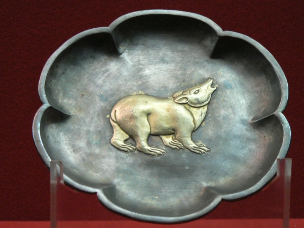 Six lobed silver platter with gilded bear design,  Early Tang Dynasty
