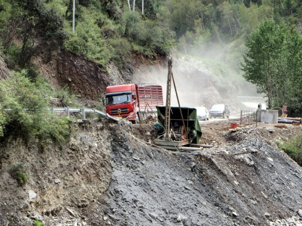 The road from Maerkang to Seda