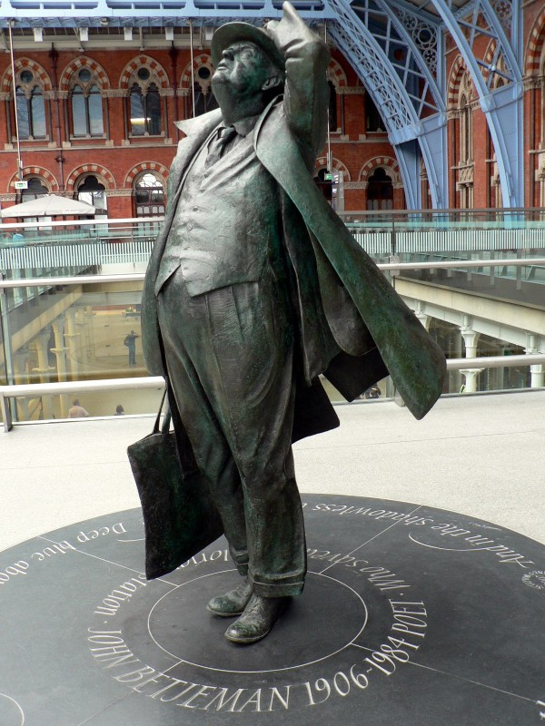 Sir John Betjeman, St Pancras International Station, London.